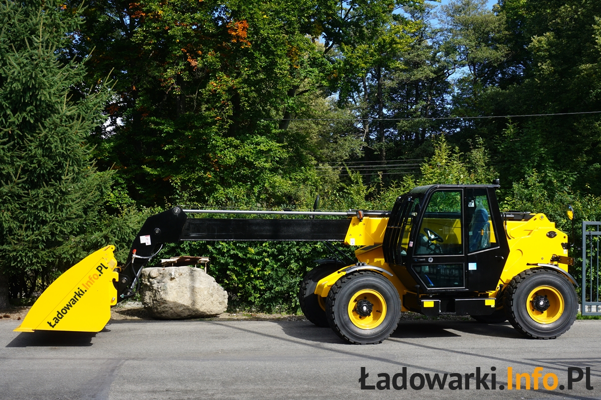ŁADOWARKA_TELESKOPOWA_KMM630-68_2021_FOT4L