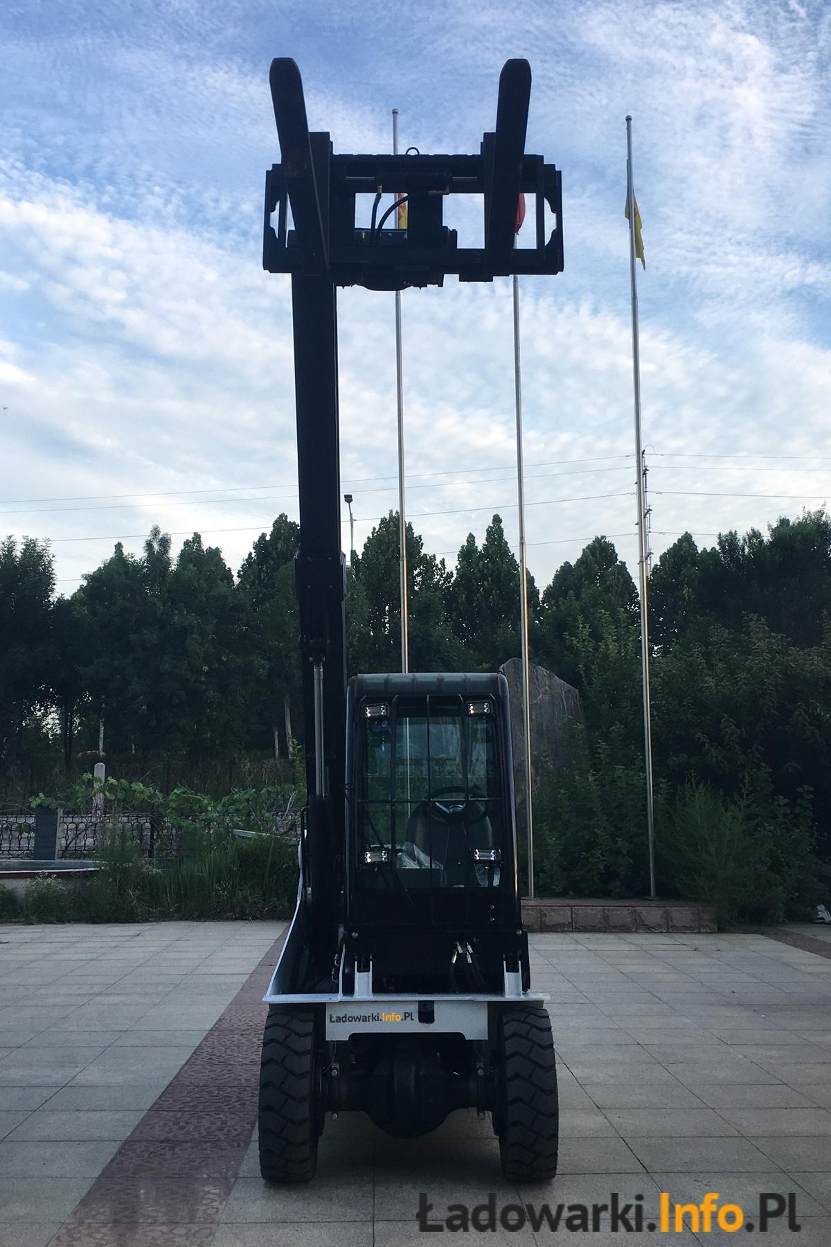 Teleskopowy wózek widłowy KMM T30D - 20L