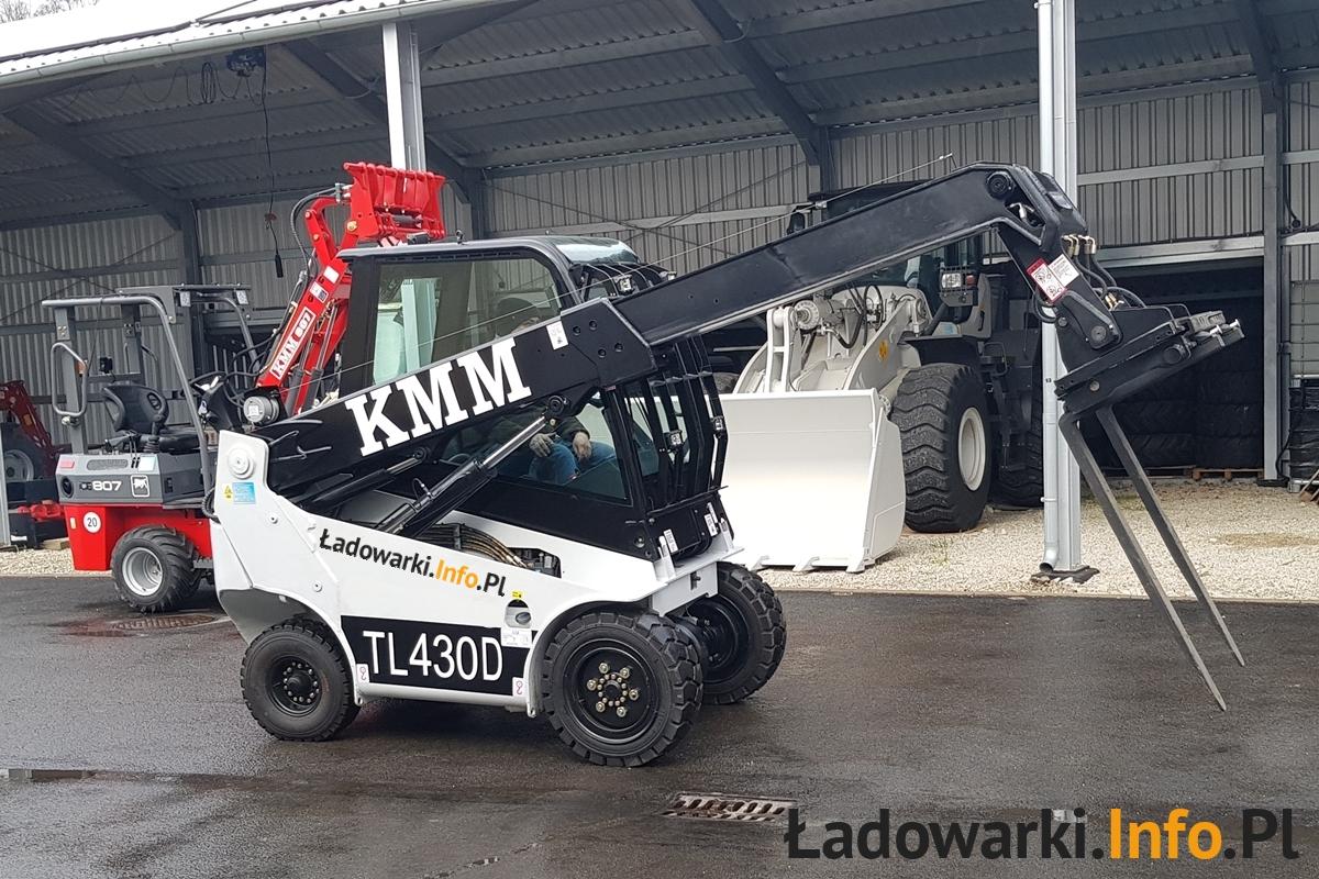 Teleskopowy wózek widłowy KMM T430D i 809 - FOT 6L